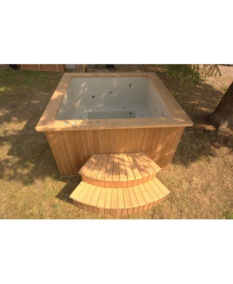 Deluxe hot tub 180x180 cm, square shape with thermowood trim